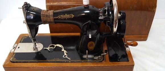 миниатюра швейная машина