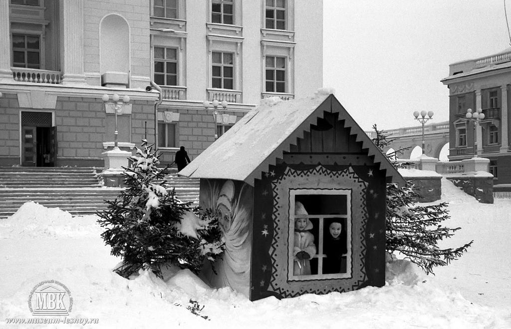 на площади ДК, 1958 год.