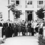 У восточного выхода сквера, 1958 год. фото из архива В.Г.Вальковой