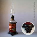 Лампа керосиновая настольная, 10-линейная, керамика, эмаль, ручная роспись. Европа, конец XIX века.