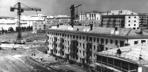 Будущий перекрёсток улиц Белинского и Карла Маркса, начало 1960-х гг.