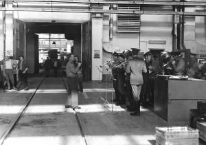 Выступление оркестра войсковой части перед работниками цеха, 1970-е гг.