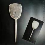 Зеркало из набора для дамского столика «Балет», в набор также входила щётка для волос. Завод «Металлодеталь», г. Москва, СССР, 1960-е гг.